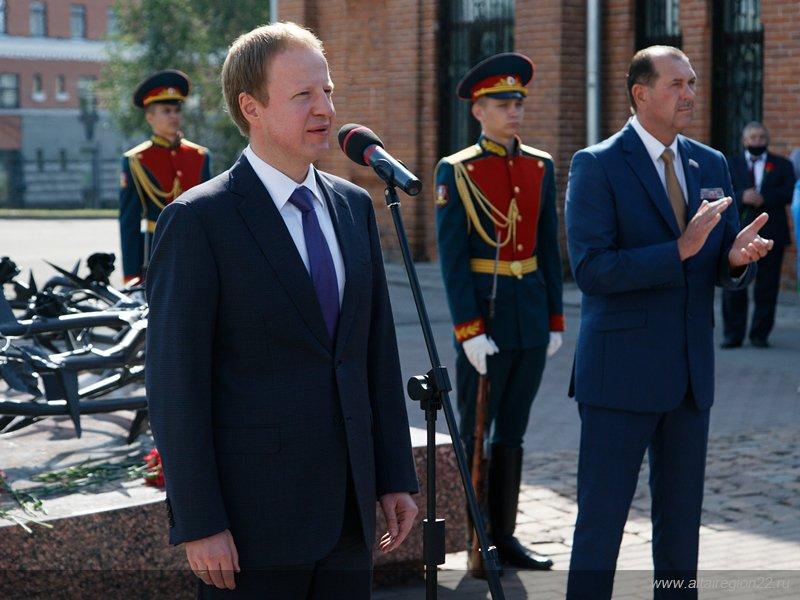 В Барнауле отметили 90-летие Воздушно-десантных войск России