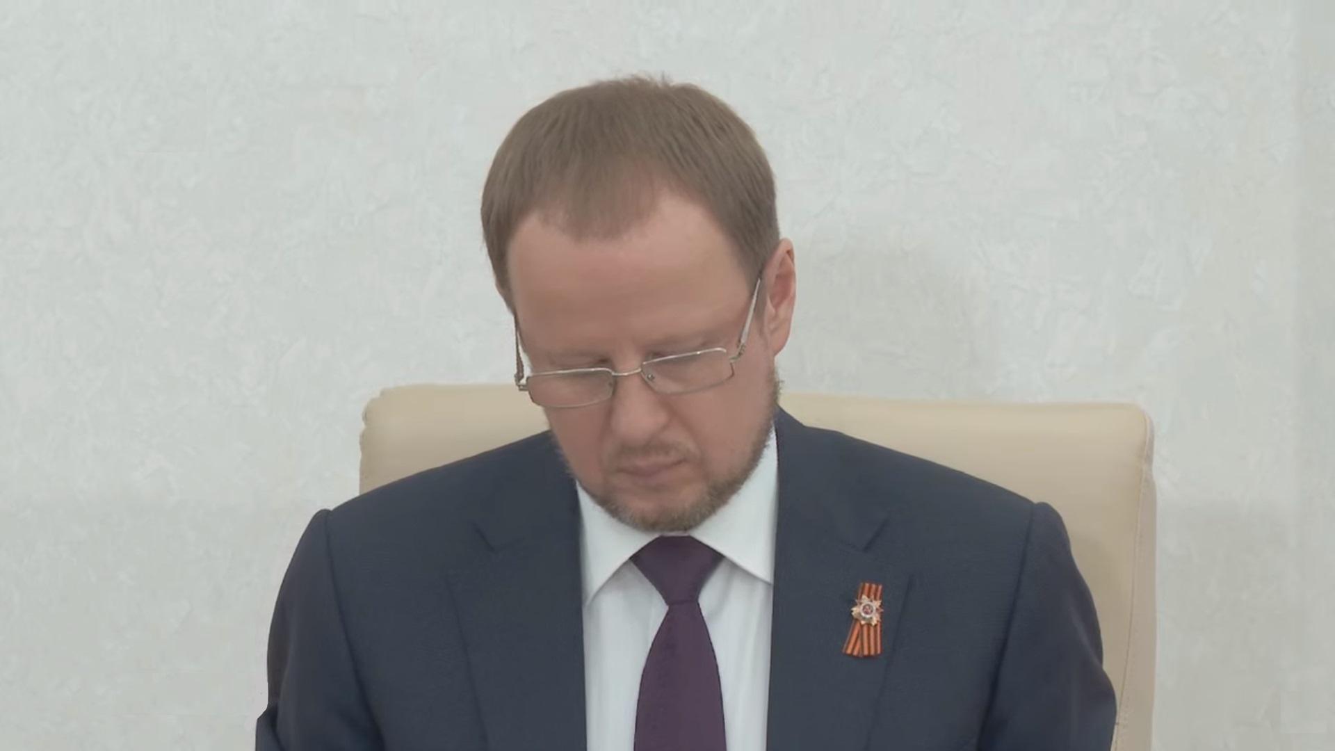 Губернатор края Виктор Томенко представляет отчет депутатам АКЗС о результатах деятельности правительства края в 2020 году