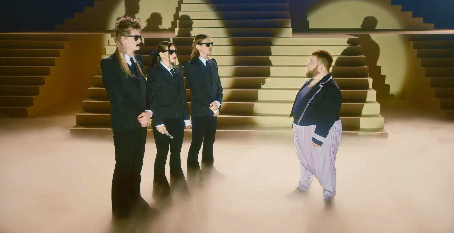 Танцор из Алтайского края вновь снялся в клипе группы Little Big