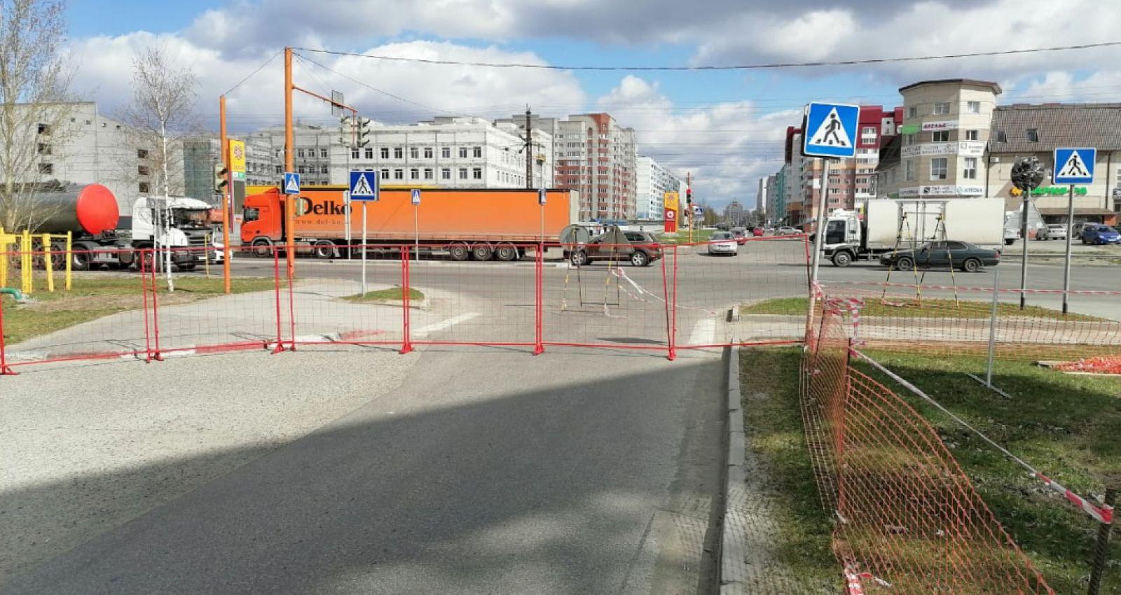 Схему движения транспорта изменили на улице Лазурной в Барнауле