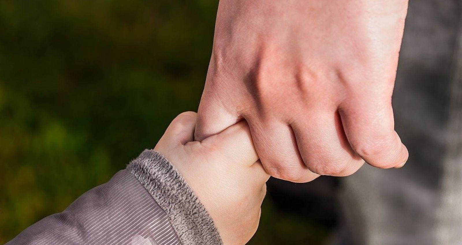 Алтайские семьи с детьми смогут получить гуманитарную помощь